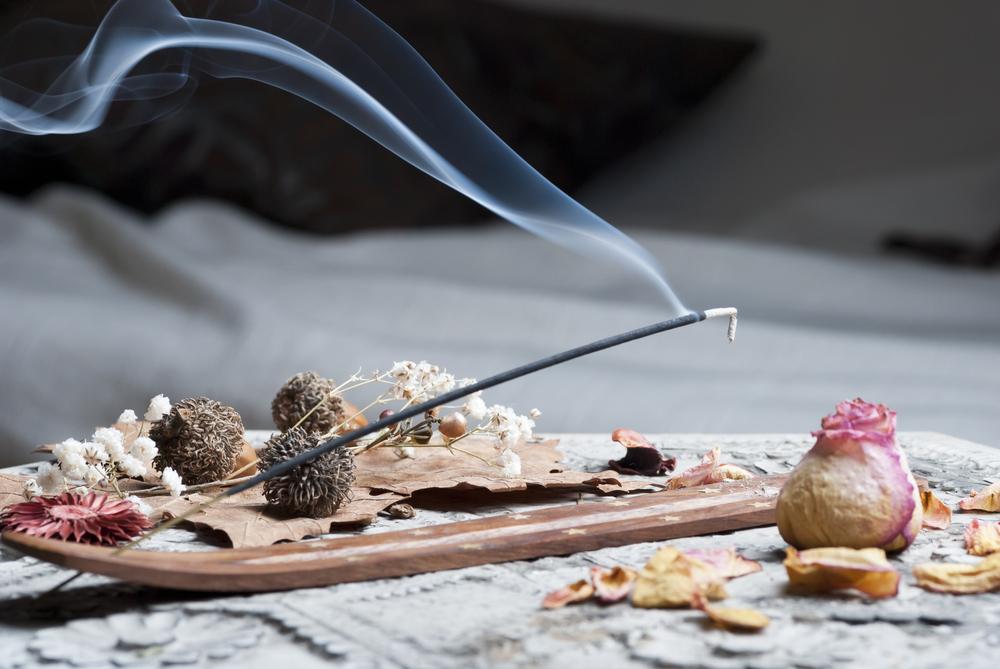 incense smoke causing harm to dogs